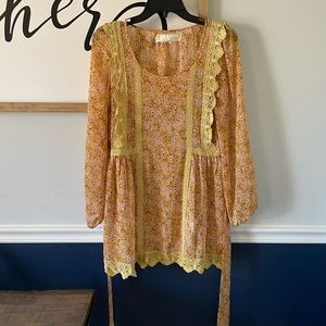A'reve Sheere Floral Tunic Dress Size Medium